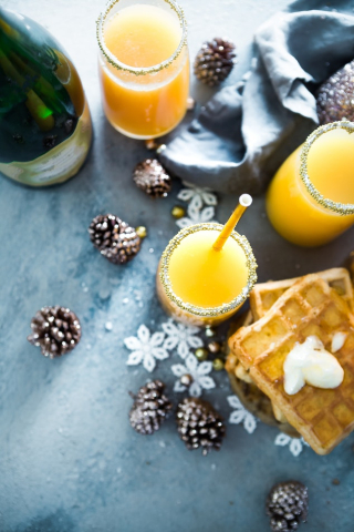 Christmas brunch mimosas